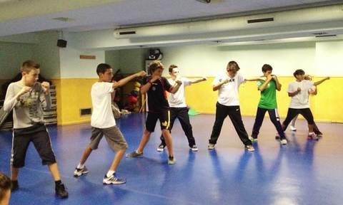 Gimnasio Shotokan - 1º Entrenamiento de Kickboxing Infantil - Tu gimnasio en Gijón