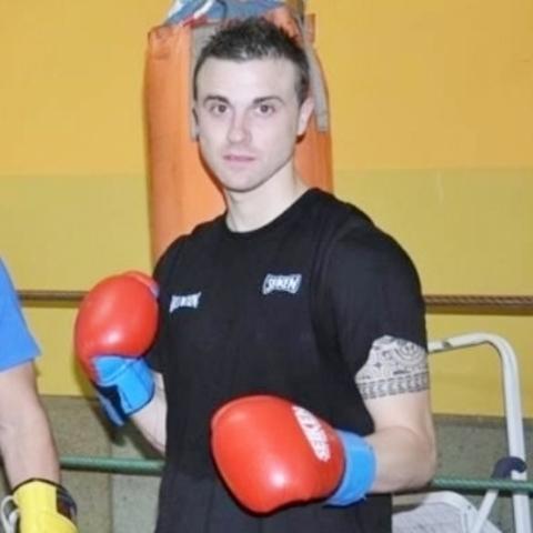 Gimnasio Shotokan - Iván Buselo logra el título nacional. - Tu gimnasio en Gijón