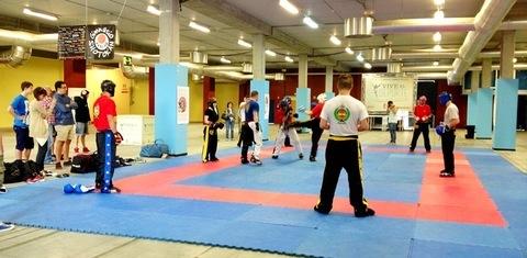 Gimnasio Shotokan - Master Class de Kickboxing Americano en Vive el Deporte - Tu gimnasio en Gijón